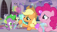 Applejack notices her glass is empty S9E26