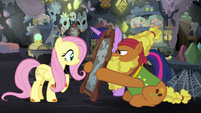 Cattail holding a mirror in front of Fluttershy S7E20