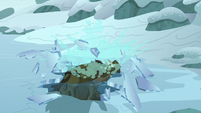 Cragadile Chrysalis breaks through the ice S9E8