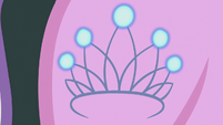 Diamond Tiara's cutie mark lightly shines S5E18