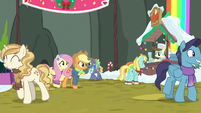 Fluttershy and Applejack enter the Craft Fair MLPBGE