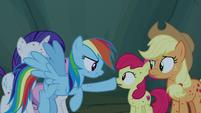 Rainbow Dash booping Apple Bloom's nose S7E16