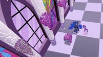 Starlight Glimmer and Luna in the lavender hall S7E10