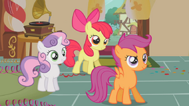 Sweetie Belle, Scootaloo e Apple Bloom sorrindo T01E12.png