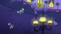 Twilight calling out to Moon Dancer S5E12