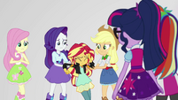 Rarity and Applejack help Sunset Shimmer up EGS3