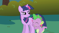 Spike snickering at Twilight S1E01