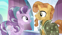 Starlight and Sunburst smiling at each other S6E2