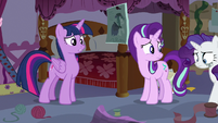 """Twilight Sparkle confused """"stress-sewing?"""" S7E14"""