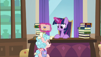 Cozy -might do some sightseeing- S8E25