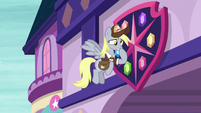 Derpy rubbing her nose in pain S8E25