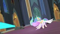 Magic beaming towards Princess Celestia S4E02