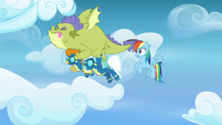 Sludge struggles to flap his wings S8E24