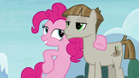 Pinkie Pie looking confidently at Mudbriar S8E3