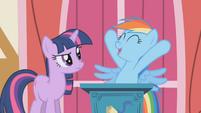 Rainbow Dash celebrates Apple Jack S1E04