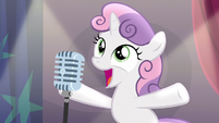 Sweetie Belle about to sing on stage S5E4