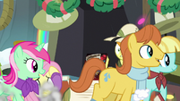 Ponies stampeding past Fluttershy MLPBGE