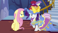 Rarity apologizing to Fluttershy S7E14