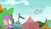 Spike watching the Wonderbolts perform S6E7