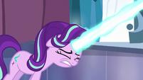 Starlight Glimmer shoots her magic beam S6E2