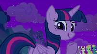 "Twilight gives a nonchalant ""eh"" S8E21"