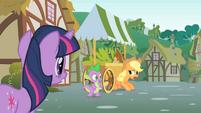 Applejack hiding S1E15
