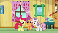 Cutie Mark Crusaders look at the bottle S9E12