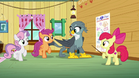 Cutie Mark Crusaders start marching in place S6E19