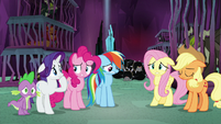 Main ponies and Spike look worried S8E26