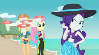 Rarity posing for the selfie drone EGFF