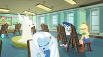 Applejack in art class EGDS37