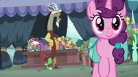 Discord watches Sugar Belle leave flower stand S9E23