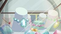 Jewelry store displays 1 S6E3