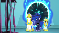 Luna and royal guards enter Tartarus S8E26