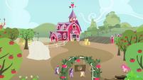 Applejack's friends coming towards Applejack's home S4E07