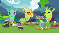 Changelings having a potluck lunch S7E17