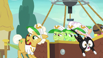 Goldie Delicious' cats jump from the balloon S8E5