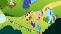 "Pinkie Pie ""headline the Rainbow Dash birth-iversary bash"" S4E12"