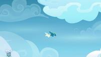Sky and Vapor continue to fly together S6E24