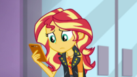Sunset Shimmer looking at her phone EGDS2