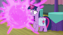 Twilight teleports Spike out of Hay Burger S9E16
