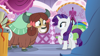 Yona grins excitedly at Rarity S9E7