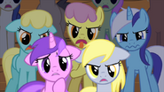 1000px-Ponies don't like Fluttershy's performance S01E20