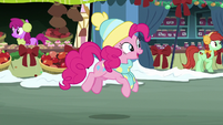 Pinkie Pie starts singing One More Day MLPBGE