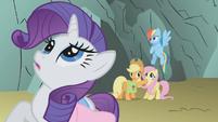 Ponies hear heavy rumbling S1E07