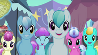 Pony crowd approaches Rarity S3E2