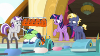 Shining Armor looking more airsick S7E22
