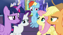 Main five amused by Pinkie's antics S9E14