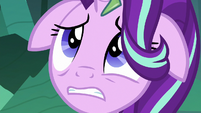 Thorax looking up at trapped Mane Six S6E26