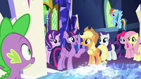 "Twilight Sparkle ""round up our class"" S8E2"